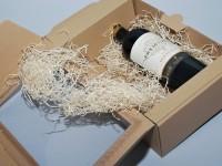 papírová krabice na víno s průhledným oknem