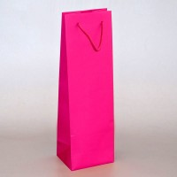 papírová taška na víno růžová s matnou laminací